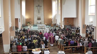 Holy Week Mass 017.jpg
