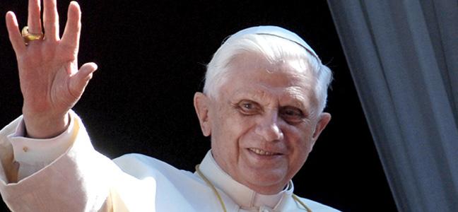 Pope-benedict-XVI-on-balcony.jpg